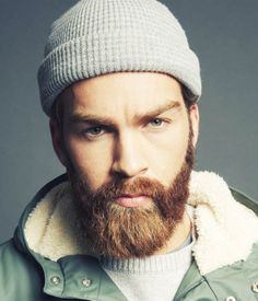 What is beard oil and beard balm? Learn the differences between beard oil and balm as well as other beard softening products like beard lotion and beard spray. Beard Oil And Balm, Beard Balm, Beard Brush, Great Beards, Awesome Beards, Mens Facial, Facial Hair, Beard Styles For Men, Hair And Beard Styles