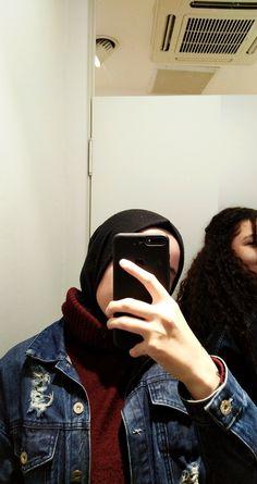 Hijabi Girl, Girl Hijab, Hijab Outfit, Muslim Couples, Muslim Women, Fake Girls, Fake Photo, Photos Tumblr, Instagram Story Ideas