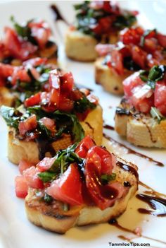 Super Easy Bruschetta Recipe! This Bruschetta is perfect for holiday parties. So easy to make and tastes amazing.