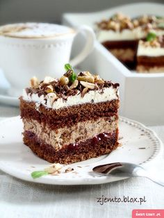 Hazelnut and chocolate cake - HQ Recipes Drink Recipe Book, Delicious Desserts, Yummy Food, Different Cakes, Polish Recipes, Polish Food, Baking Tins, Food Cakes, Savoury Cake