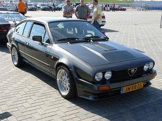 Alfa Romeo GTV6.
