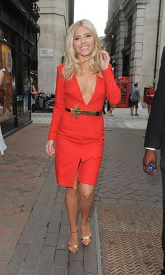 Mollie King in AQ/AQ #MillionDollarShoppersGianna