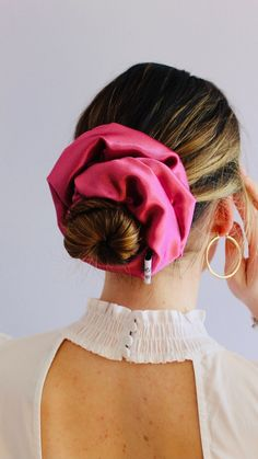 Girls Fashion Clothes, Girl Fashion, Diy Hair Scrunchies, Queen Hair, Handmade Hair Accessories, Pink Aesthetic, Resort Wear, Diy Hairstyles, Pink Hair