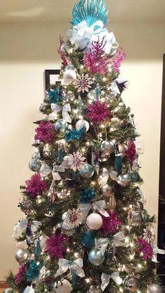 Menjie's frozen Christmas tree