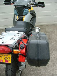 flat mountable gas cans for cars, motorcycles, and atvs