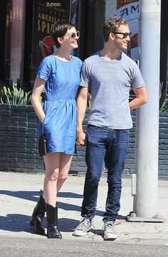 Anne Hathaway in Madewell Chambray Songbird Dress