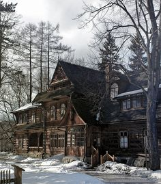 wouldn't it be nice to drive up to this home in the middle of the winter?