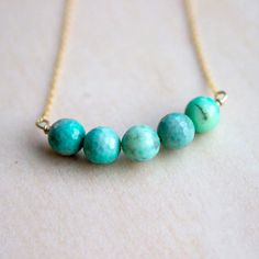 Make your own beaded necklace with this wire wrapping technique.