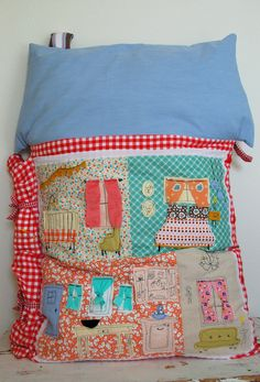 Dollhouse Quilt and Pillow. GG is so getting one of these!