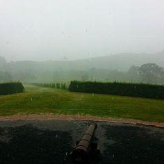 Chuva pra refrescar o calor no final da tarde. Lindo em qualquer clima! ❤