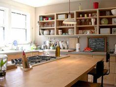 Cozinhas com prateleiras ou armários abertos para se inspirar!