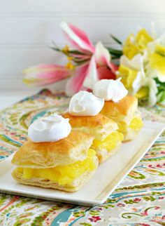 Share Tweet Pin Mail 10100100Making a dessert like this Lemon Curd Puff Pastries Recipe looks fancy, but it's actually super easy with just 4 main ...