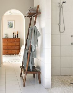 Love This Towel Rack Styled After A Ladder