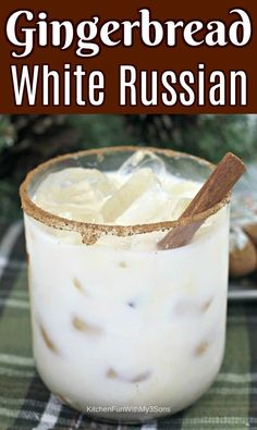 Gingerbread White Russian Best Christmas Cocktails, Thanksgiving Drinks, Holiday Cocktails, Christmas Parties, Christmas Treats, Christmas Time, Christmas Mocktails, Christmas Entertaining, Italian Christmas
