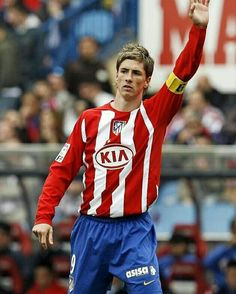 Fernando Torres Atletico Madrid Spanish Soccer Players, Milan, Chelsea, Old Trafford, European Football, Arsenal Fc, College Basketball, Liverpool Fc, Fernando Torres