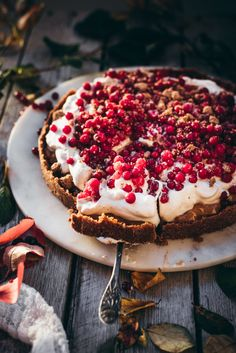 Discover recipes, home ideas, style inspiration and other ideas to try. No Bake Desserts, Dessert Recipes, Frozen Cheesecake, Just Eat It, Dessert Drinks, Vegan Cake, Sweet Cakes, Vegan Baking, Food Plating