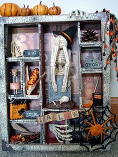 Halloween Shadow Box - great idea for displaying the small decorations