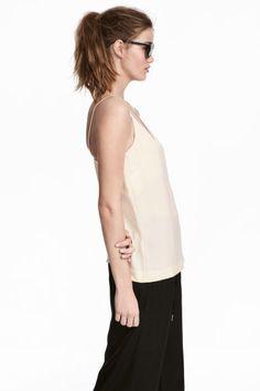 Топ с треугольным вырезом - Светло-бежевый - Женщины | H&M RU