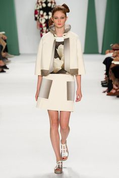 Carolina Herrera Spring 2015 Ready-to-Wear - Collection - Gallery - Look 20 - Style.com