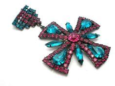 Vintage-Rhinestone-Badge-Brooch-Fuchsia-Pink-Aqua-Blue-Large-Rockabilly-Pin