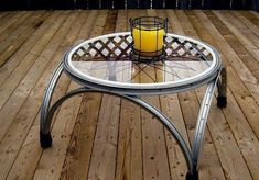 Unique Coffee Table Made From Old Bicycle Rims. Great inside too! Bicycle Rims, Old Bicycle, Bicycle Wheel, Bicycle Art, Old Bikes, Bike Wheels, Dirt Bikes, Diy Furniture, Outdoor Furniture
