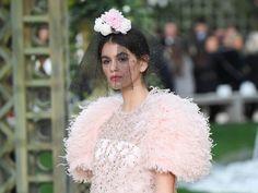 anatakti.gr: Chanel  cool το κλασικό ponytail