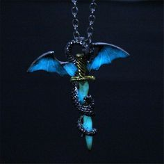 Game of Throne Dragon Sword Punk Luminous Necklace Dragon Sword Pendants Necklaces in the DARK dragon amulet Sweater Chain MB