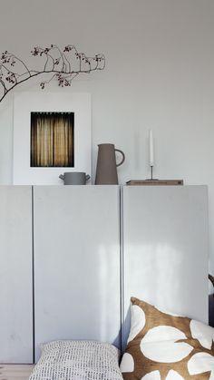 Ikea Hacks, Ikea Hack Storage, Simple Interior, Beautiful Interior Design, Ikea Ivar Cabinet, Hm Home, Japanese Interior, Tiny Spaces, Bedroom Styles