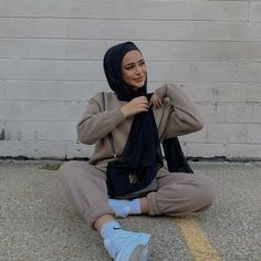 Modest Wear, Modest Outfits, Girl Outfits, Fashion Outfits, Casual Hijab Outfit, Casual Outfits, Cute Outfits, Winter Outfits, Street Hijab Fashion
