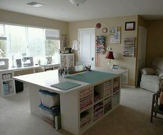 Sewing room design - Creative Shelving Ideas for Small Craft Room – Sewing room design Sewing Room Design, Craft Room Design, Sewing Spaces, My Sewing Room, Sewing Studio, Craft Space, Ikea Sewing Rooms, Design Bedroom, Sewing Room Organization