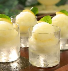 Limoncello Sorbet: This palate cleansing spiked sorbet is a perfect for a feast as it is for a backyard barbecue. Have a spoonful of sunshine year-round. Frozen Desserts, Frozen Treats, Just Desserts, Dessert Recipes, Lemon Desserts, Lemon Recipes, Ice Ice Baby, Gelato, Panna Cotta
