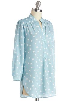 Hosting for the Weekend Tunic in Sky. Hosting your entire family for a weekend is tons of fun! #blue #modcloth