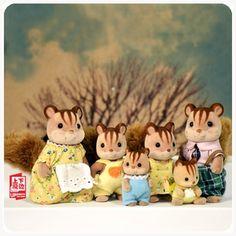 正版散货 森林家族 森贝儿过家家小动物植绒玩具 核桃松鼠家族的图片