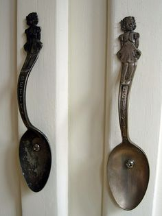 Spoon door handles - need more attractive fasteners but would work well for cabinet handles/drawer pulls in some kitchens. Cabinet Handles, Door Handles, Cabinet Hardware, Kitchen Handles, Kitchen Hardware, Copper Handles, Kitchen Pulls, Pull Handles, Ideias Diy
