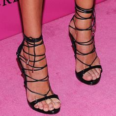 """Candice added lines to her look with a pair of DSquared2 """"RiRi"""" sandals"""