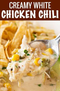 This contest-winning crockpot white chicken chili is made easy in the slow cooker, and has just the right amount of spice to warm up your night! Slow Cooker Huhn, Slow Cooker Soup, Slow Cooker Chicken, Slow Cooker Recipes, Crockpot Recipes, Soup Recipes, Chicken Recipes, Cooking Recipes, Healthy Recipes