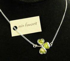"Min Favorit ""Lucky Charm"" Sideways Shamrock Necklace MOP Shell Silver Pl SALE!"