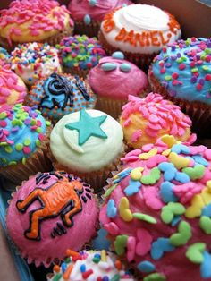How come in cookbooks when it shows you a picture of what they are suppossed to look like, it comes out perfectly and when reall people try, yes I mean try, to make them, they come out like colorful epic fails with sprinkles??????