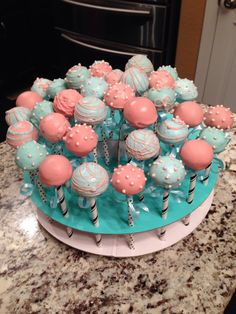 Coral and mint green cake pops. Coral and mint green cake pops. Mint Green Cakes, Mint Cake, Peach Cake, Coral Baby Showers, Mint Baby Shower, Bridal Showers, Cake Pops, Mint Coral, Coral Mint Wedding