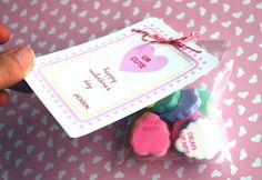 Sweetheart Valentine's Day class cards :: Bunny Cakes :: http://bunnycakes.typepad.com/bunny_cakes/2009/01/sweetheart-valentines-day-classroom-cards.html