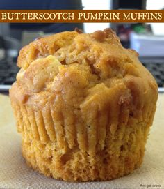 Melt in your mouth Butterscotch Pumpkin Muffins. These muffins are the best fall breakfast to pair with your coffee! Köstliche Desserts, Delicious Desserts, Dessert Recipes, Yummy Food, Health Desserts, Yummy Yummy, Baking Recipes, Delish, Lemon Raspberry Muffins