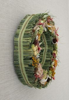 This lovely wreath is made of green hay bales and real dried flowers mixed with cones, preserved roses and herbs. It's perfect for home decor, buiseness front office or event use. Moss Wreath, Grapevine Wreath, Dried Flower Bouquet, Dried Flowers, Wreaths For Front Door, Door Wreaths, Preserved Roses, Country Wreaths, Dry Plants