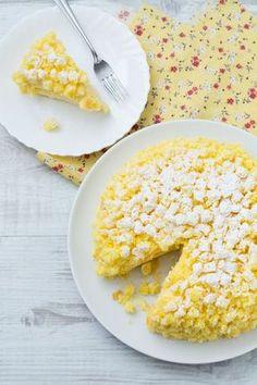 Torta mimosa: il classico dolce della Festa della Donna. Buon 8 marzo!  [Mimosa cake]