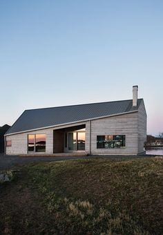 A beautiful home in Vesterålen, Norway, spotted via Norwegian Bo Bedre Modern Architecture Design, Residential Architecture, Modern Tiny House, Modern House Design, House Roof Design, Ideas Cabaña, Norwegian House, Facade House, Exterior Design