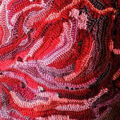 New day, new colors #freeformcrochet #yekachu #freeformbag #фриформ #фриформкрючком
