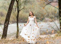 22 Likes, 0 Comments - Ioana Butnariu Wedding Photoshoot, Autumn Leaves, Spinning, Photo Shoot, Wedding Photography, Wedding Dresses, Fun, Instagram, Fashion