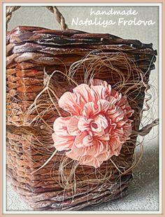 """Коробочка интерьерная """"Delikate flower"""". Размеры: высота 16см, донышко 9*9см, верхний край 11*11см. Можно подвесить на стену. Есть в наличии."""