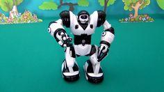 Mini Robosapiens. Wow Wee Robosapiens. Toys for kids Robot. Unpacking Mi...