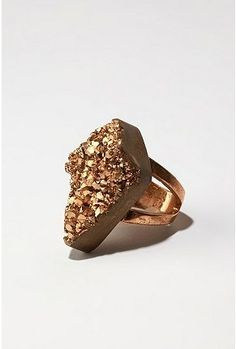 druzy ring. im obsessed with druzy, especailly gold and the blue/yellow/green...  My ring size is a 9 btw ;)