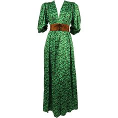 Preowned 1970's Yves Saint Laurent Green Floral Cotton Dress With Deep... ($850) ❤ liked on Polyvore featuring dresses, multiple, floral print dress, flower print dress, floral pattern dress, green dress and deep v neck dress